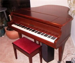 piano sale picture